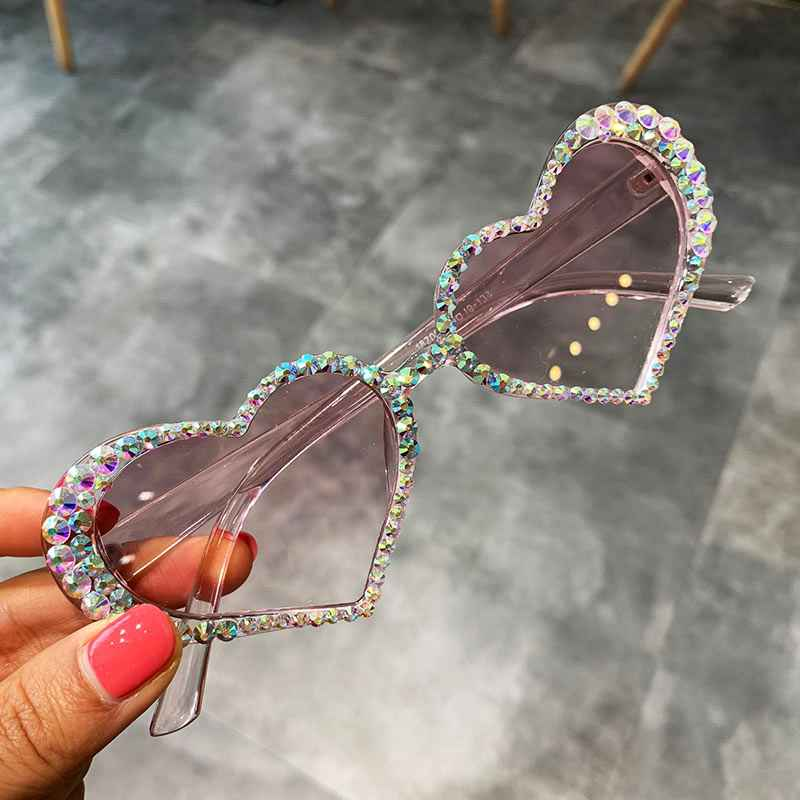 Vintage Heart Sunglasses Women Fashion Luxury Rhinestone Decoration Cat Eye